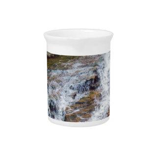Agua de la montaña de New Hampshire Jarras