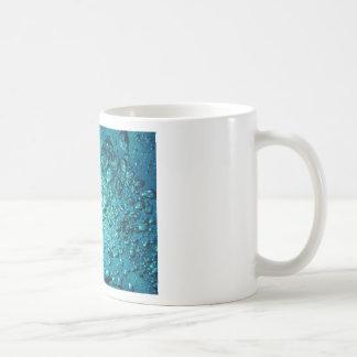 Agua de las burbujas de aire taza de café