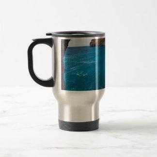 Agua de mar azul de la playa, taza de viaje de acero inoxidable