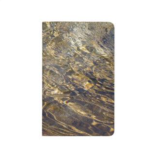 Agua de oro 2 de la fuente cuadernos grapados