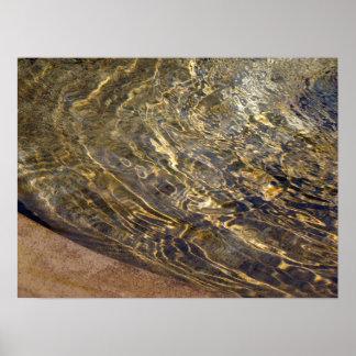 Agua de oro 2 de la fuente póster