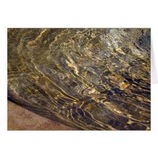 Agua de oro 2 de la fuente tarjeta de felicitación