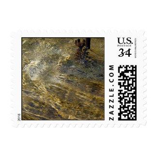 Agua de oro de la fuente - pequeño sello