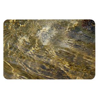 Agua de oro de la fuente rectangle magnet