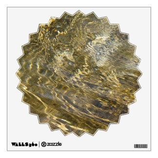 Agua de oro de la fuente vinilo decorativo