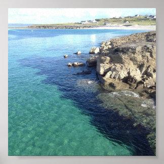 "Agua del claro de la isla de INiS Oírr - 6"""" Póster"