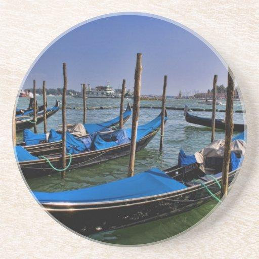 Agua del Gran Canal con los barcos del gondalo ali Posavasos Diseño