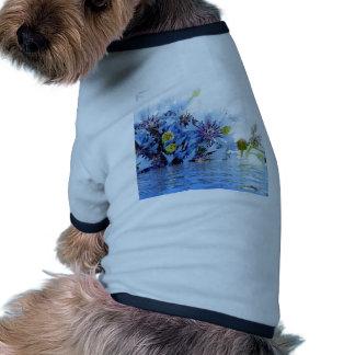 Agua floral azul del claro del arreglo de la decor camisa de perrito