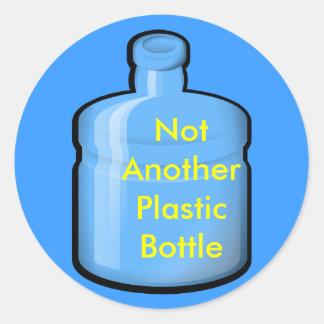 agua, no otra botella plástica pegatina redonda