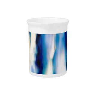 Agua que cae abstracta azul jarra para bebida