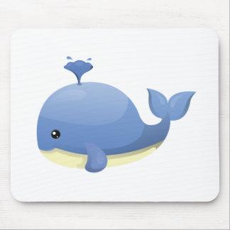 Agua que echa en chorro linda de la ballena azul mouse pads