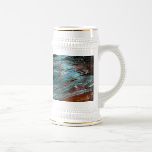 agua roja y azul jarra de cerveza