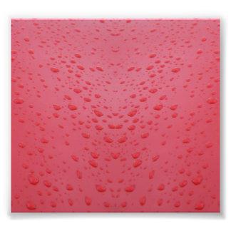 AGUA ROSADA ROJA D del METAL Water-drops-on-red-me Impresion Fotografica
