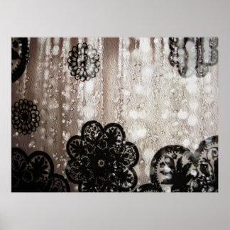 Agua y cordón negro posters