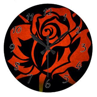 Aguafuerte del rosa rojo en negro reloj redondo grande