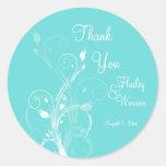 Aguamarina azul y favor floral blanco del boda pegatinas redondas