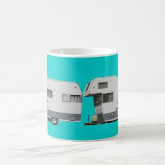 Aguamarina conservada de la fotografía del remolqu taza de café