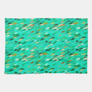 Aguamarina, verde y pescados de la natación del toallas de mano