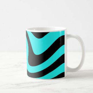 Aguamarina y diseño punky negro de la onda taza clásica