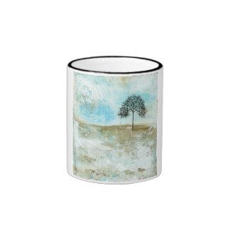 Aguantaré arte solitario del árbol del paisaje taza de dos colores