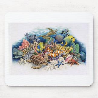 Aguas coralinas con los pescados tropicales alfombrilla de raton