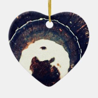 Aguas perturbadas adorno navideño de cerámica en forma de corazón