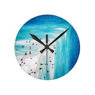Aguas Round Clock