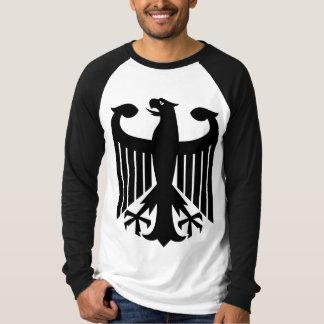 Águila alemana con de la bandera la parte playera
