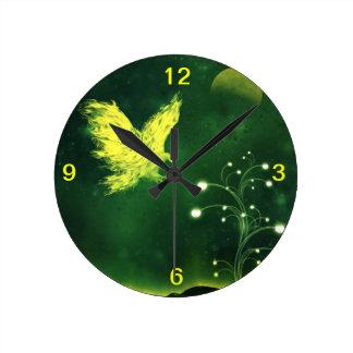 Águila ardiente reloj redondo mediano