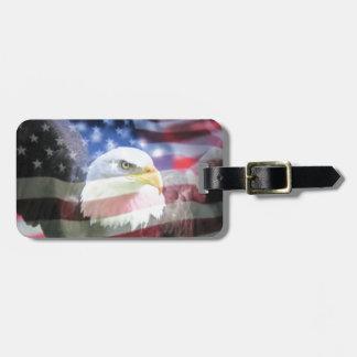 águila calva y bandera de los E.E.U.U. Etiqueta Para Equipaje