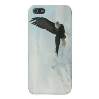 águila calva y montaña iPhone 5 funda