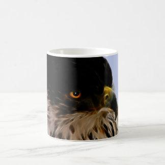 Águila majestuosa taza