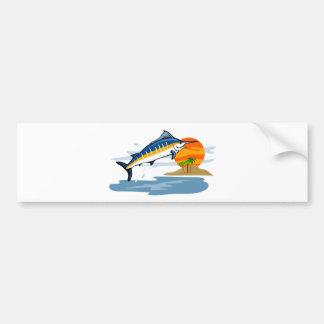aguja azul que salta con la isla y el sol pegatina de parachoque