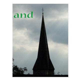 Aguja de la iglesia con Irlanda Postal