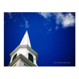 Aguja de la iglesia de Nueva Inglaterra con un Postales