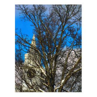 Aguja de la iglesia tarjeta postal