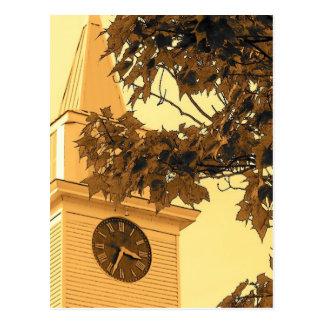 Aguja de la iglesia tarjetas postales