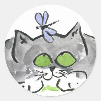 Aguja que zurce azul y gatito gris pegatina redonda