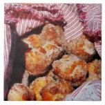 Agujeros azucarados del buñuelo azulejos