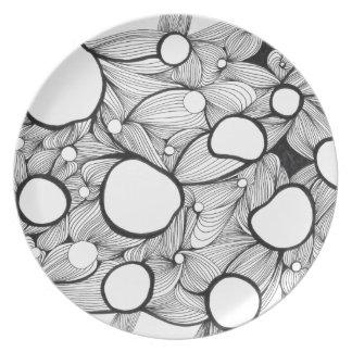 Agujeros y líneas placa del estudio plato de comida