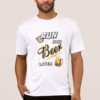 Ahora corra el Deporte-Tek posterior SS de la Camisas