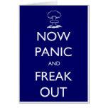 Ahora el pánico y Freak hacia fuera Felicitación