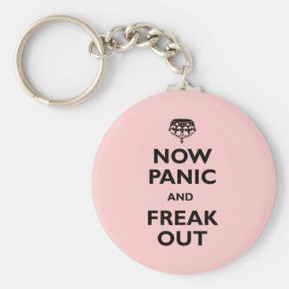 Ahora el pánico y Freak hacia fuera Llaveros Personalizados