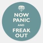 Ahora el pánico y Freak hacia fuera Etiquetas Redondas