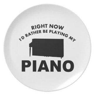 Ahora estaría jugando bastante el PIANO Platos Para Fiestas