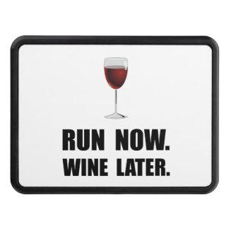 Ahora funcione con el vino más adelante tapa de tráiler