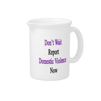 Ahora no espere la violencia en el hogar del jarra