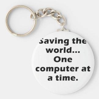 Ahorrando el ordenador del mundo uno a la vez llavero redondo tipo pin
