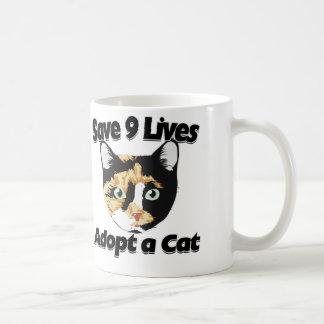 Ahorre 9 vidas adoptan un CAT Taza