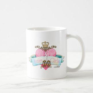 Ahorre a los chicas - dé un pitido taza clásica